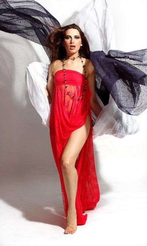 девушка, настя, ткань, белая, синяя, красная, студия Валькирияphoto preview