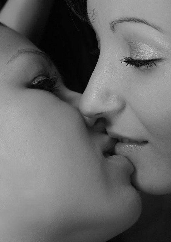 поцелуй Love is ....kissphoto preview