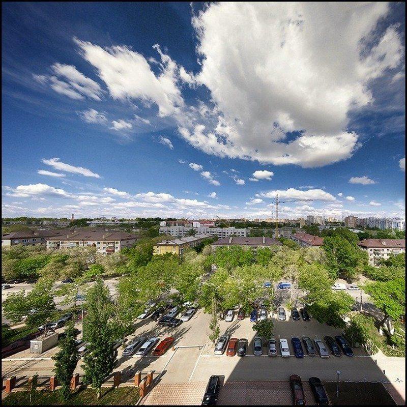 дома, машины, провода, небо, облако Капризное облакоphoto preview