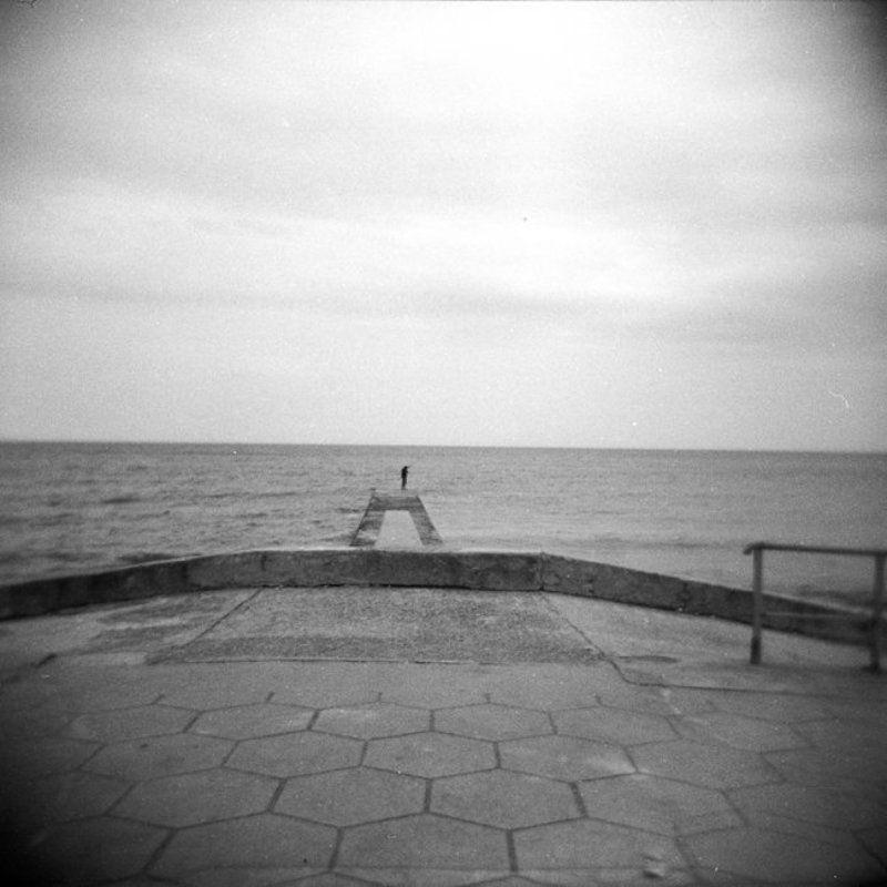 holga, май, крым, рыбак, море, пирс Fishermanphoto preview