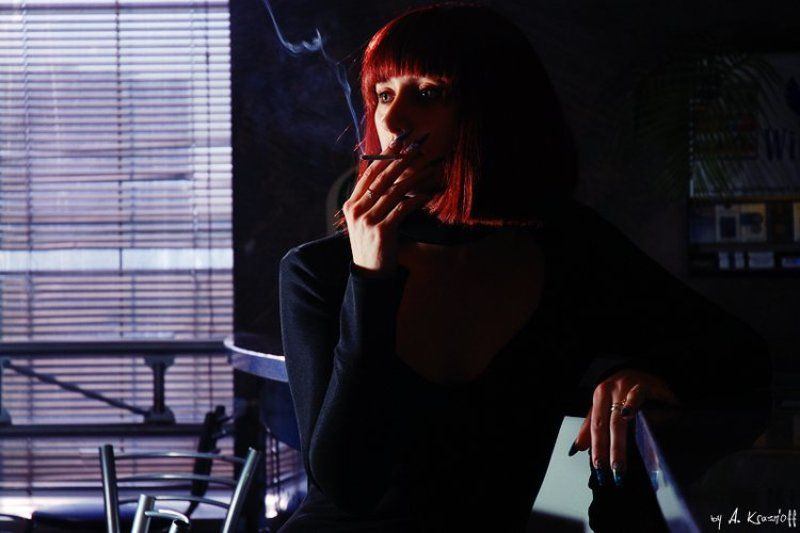 портерт, девушка, сигарета, криминальное, чтиво курить...photo preview