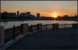 Суровый Челябинский закат на реке Миасс. Тёме Кодолову посвящается :-)