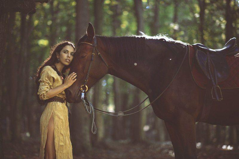 модель, ехо, грози, девушка, конь Ехо Грозиphoto preview