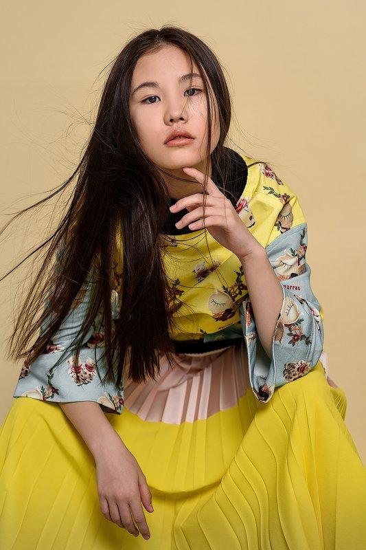 азия восток фешн портфолио желтый Эминphoto preview