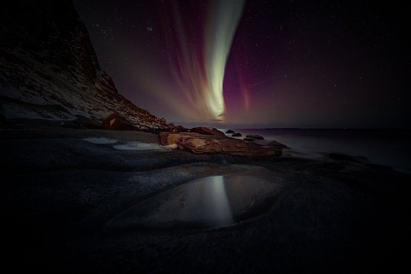 Beam in the Night |photo preview