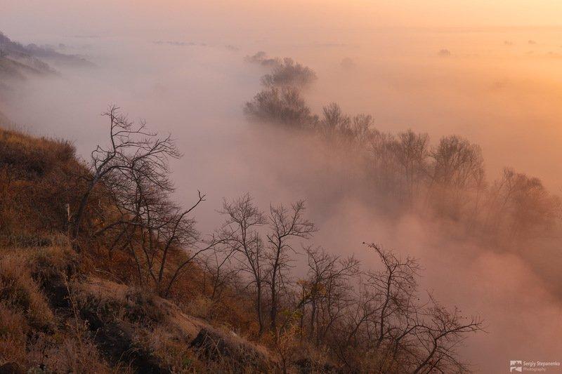 Над туманной долинойphoto preview
