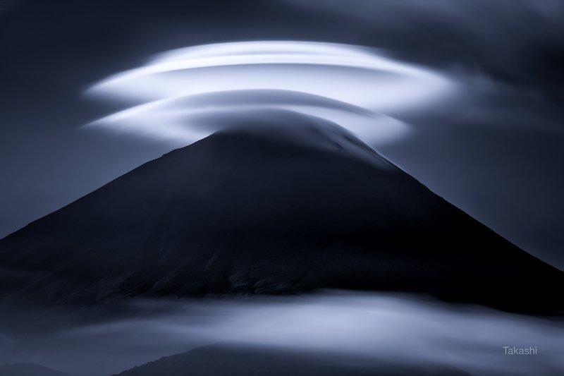 fuji,moutain,japan,clouds,cap Cap cloudsphoto preview