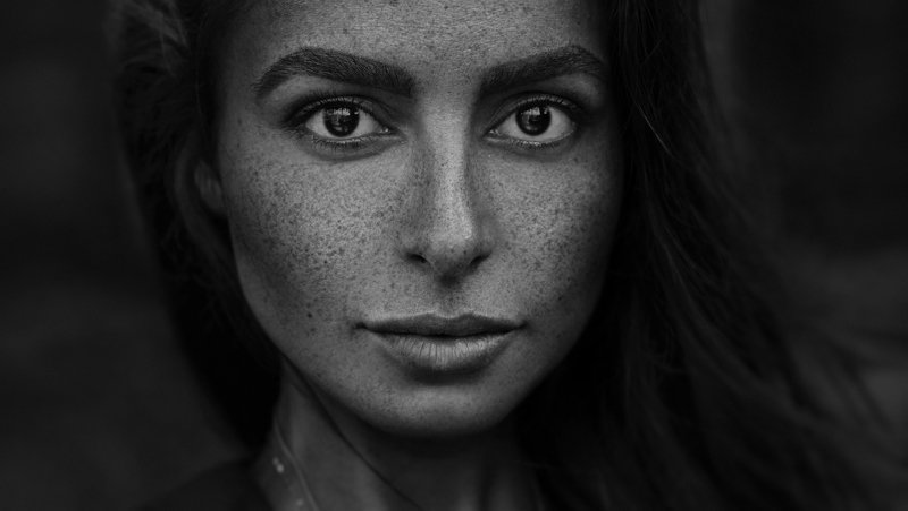#взгляд #sight #портрет #portrait #portraitphotography #глаза #красота #веснушки #bnw #monochrome #чернобелое Залинаphoto preview