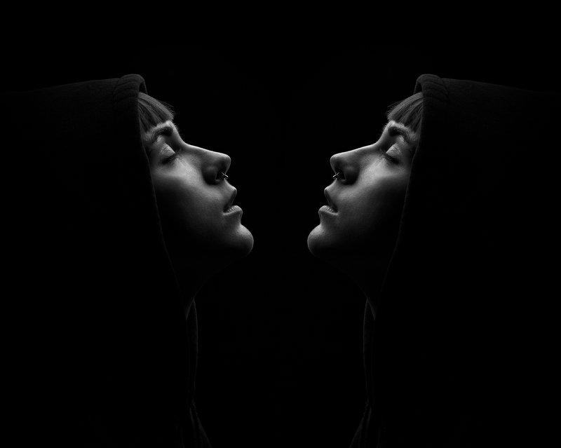 портрет, чб, отражение, зеркало Отражениеphoto preview