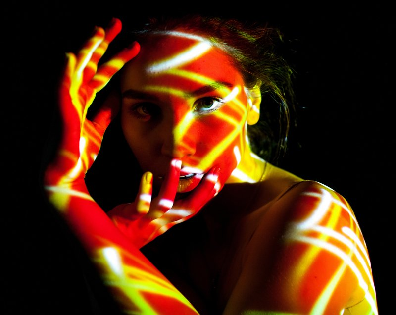 light, orange, yellow, color, model, girl, beautiful, art, look, figure, unusual, interesting, bright, shoot, projector Firephoto preview