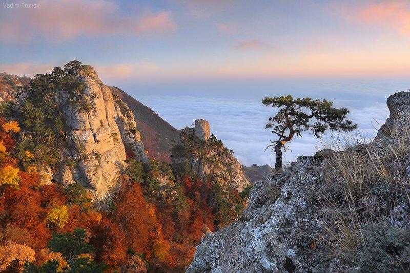 крым, долина привидений, демерджи Выше облаковphoto preview