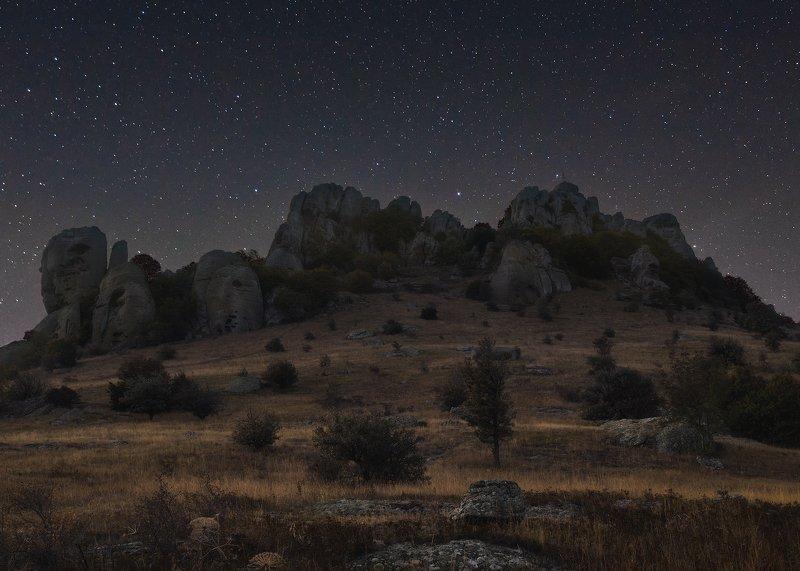 горы, крым, долина привидений, звезды Долина привидений в лунном светеphoto preview