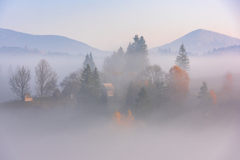 карпаты. осень. туман. рассвет Карпаты. Рассветphoto preview