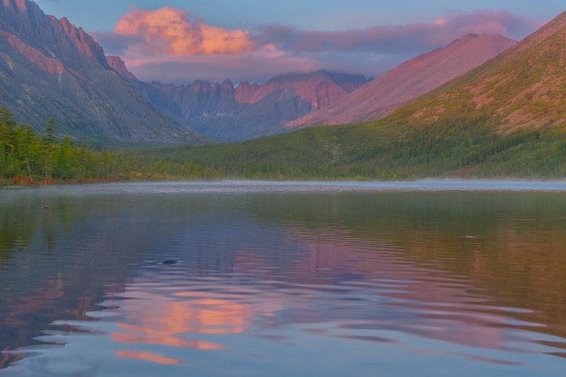 Фототуры с Владимиром Рябковым, Колыма, озеро Джека Лондона. Озеро Невидимка. фото превью