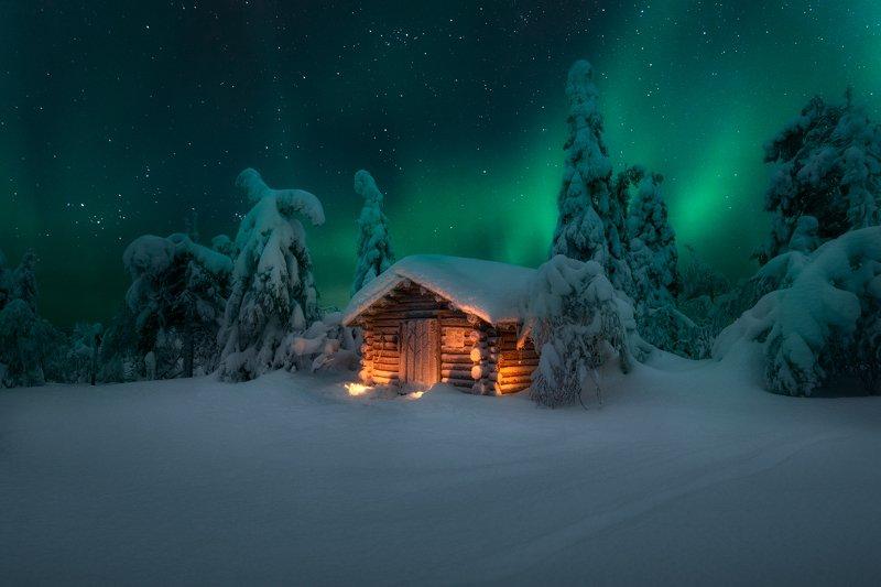 зима, ночь, домик, ёлки, сияние, снег, новый год Сарай Санта-Клаусаphoto preview