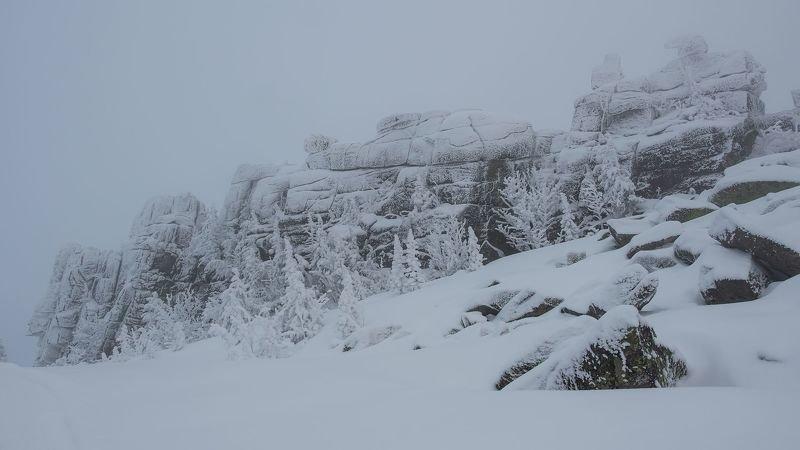 шерегеш, камни, скалы, зима, снег, ветер, пурга, образы, Каменные образы Каларского нагорья.photo preview