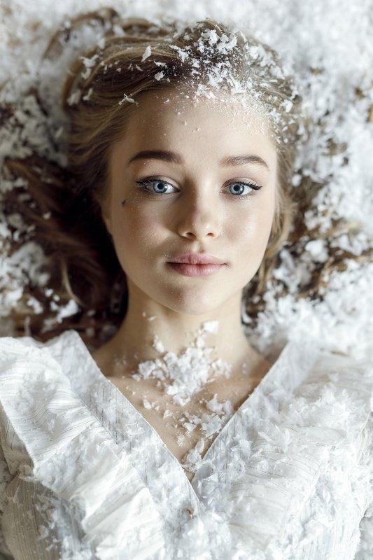 портрет девушка зима Дашаphoto preview