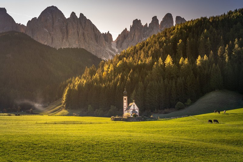 Церковь St. Johann. Санта-Маддалена. Доломитовые Альпы. Италияphoto preview