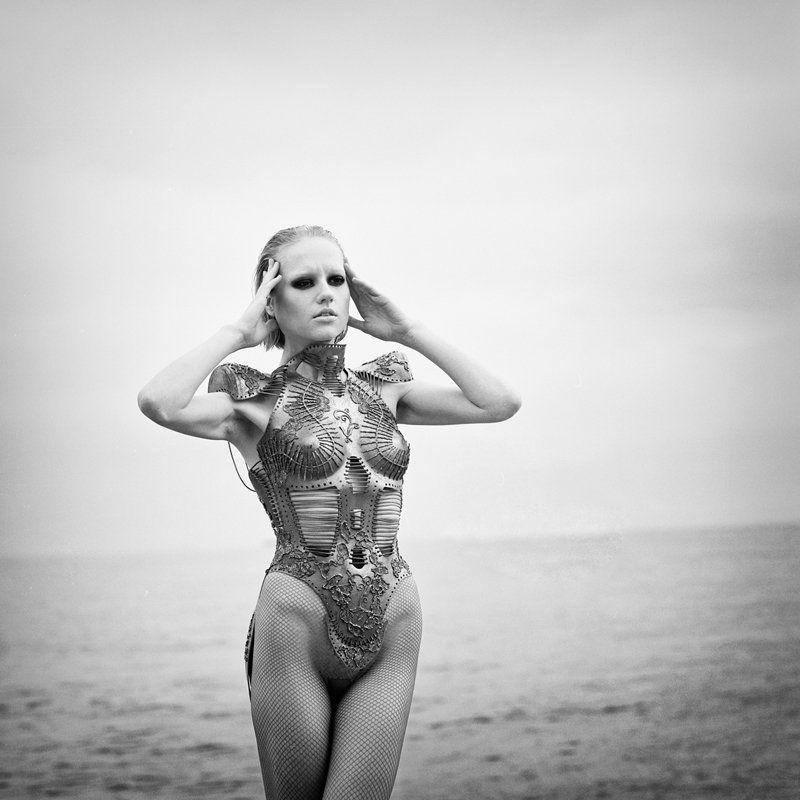 fashion, portrait, traditional, film, pentacon, beach, sea kosmogoniaphoto preview