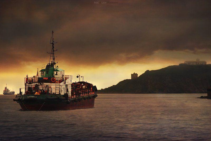 японское, , , море, , , корабли, остров Oppositephoto preview