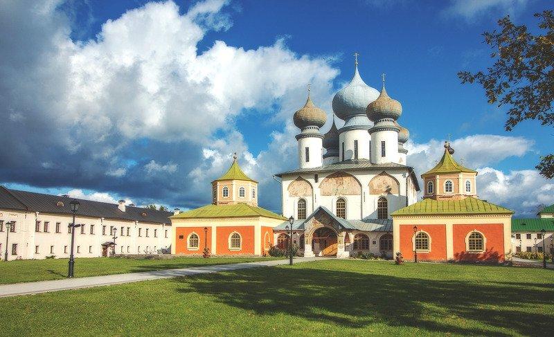 Собор Успения Пресвятой Богородицы.Тихвинский мужской монастырь.photo preview