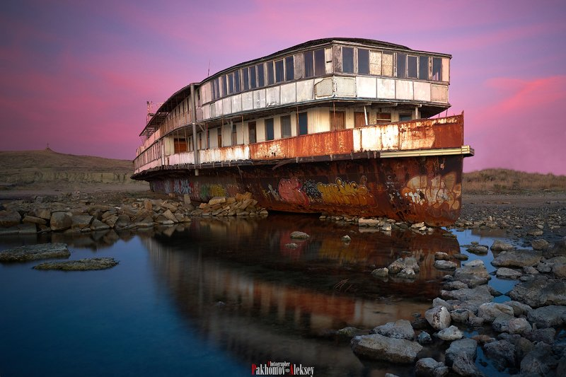color, landscape, nature, outdoor, цвет, пейзаж, природа, sea, water, night, russia, россия, ночь, ship, корабль Remnants of the pastphoto preview