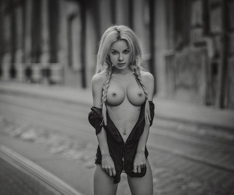 Блондинка на миллионphoto preview