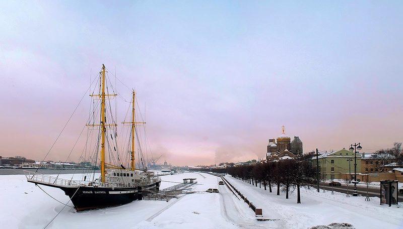 архитектура, санкт-петербург, петербург, город, вечер, зима, пейзаж, церковь, храм, религия, православие, судно, корабль Юный Балтиецphoto preview