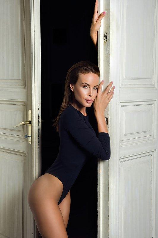 model, fine art, sexy, sensual, colour, woman, female, body, erotica, glamour, curves, portrait, beautiful, fashion, portrait, Viviphoto preview