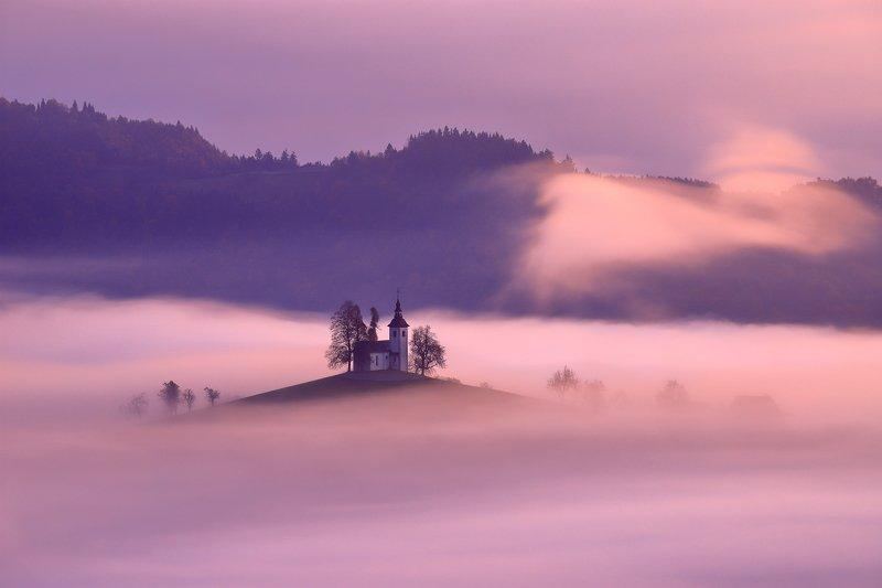 slovenia, sveti tomaž, morning, sunrise, mist, fog, hill, mountain, church, light, St. Thomas hillphoto preview