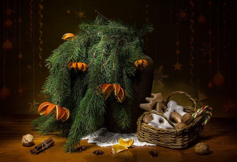 натюрморт, елка, ель, мандарины, пряники Хищные мандаринки:) С наступающим! фото превью