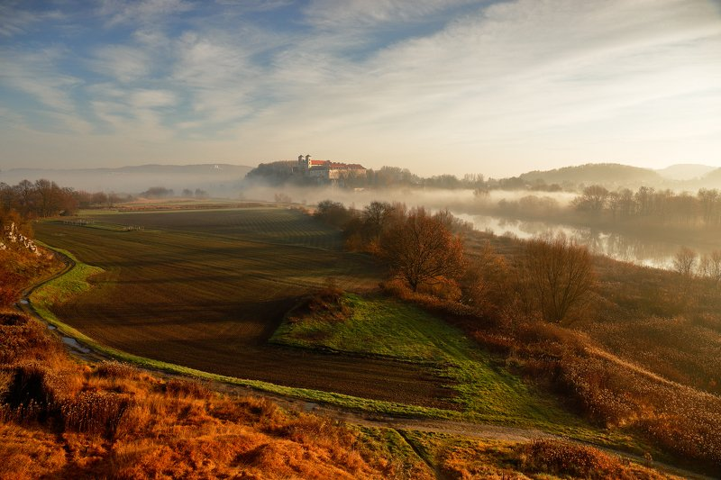 autumn, tyniec, morning, sunrise, light, mist, river, road, monastery, abbey, rock, Early morning late autumnphoto preview