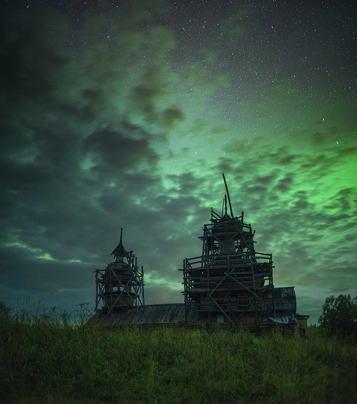 северное сияние, русский север, ночь, астрофото, звезды, ночное небо, деревянное зодчество, aurora borealis Осенние ночи на Куртяевоphoto preview