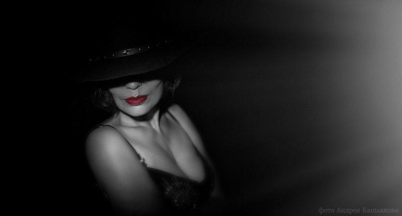 интрига портрет женщина Интригаphoto preview
