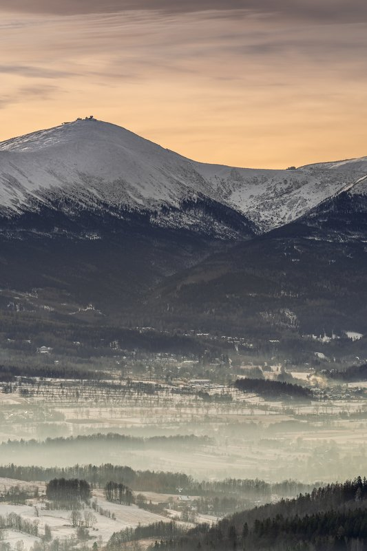 mountains, winter, poland, sunset, snow, landscape Mount Śnieżka in whitephoto preview
