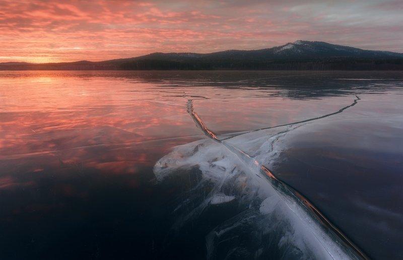 Образы в трещинах льда / Icy imaginationphoto preview