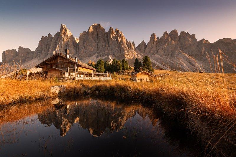 Rifugio Odle - Geisleralm -  Доломити. Италия.photo preview