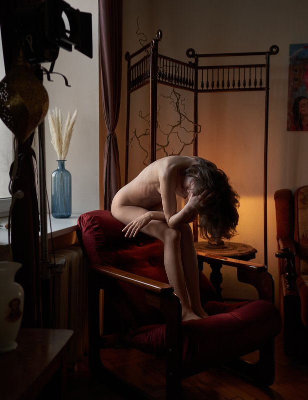 girl, nude, naked, saint-petersburg, at home, natural light, antique, lamp light, chair, Saint-Petersburgphoto preview