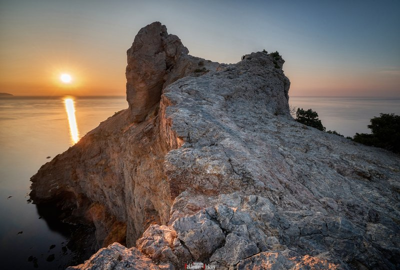 color, landscape, nature, outdoor, цвет, пейзаж, природа, sea, water, night, rock, black, russia, россия, ночь, камни Dawn in the New Worldphoto preview