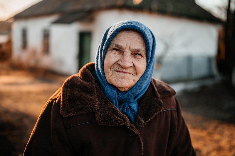 портрет, счастье, женский портрет, старость, бабушка Счастьеphoto preview
