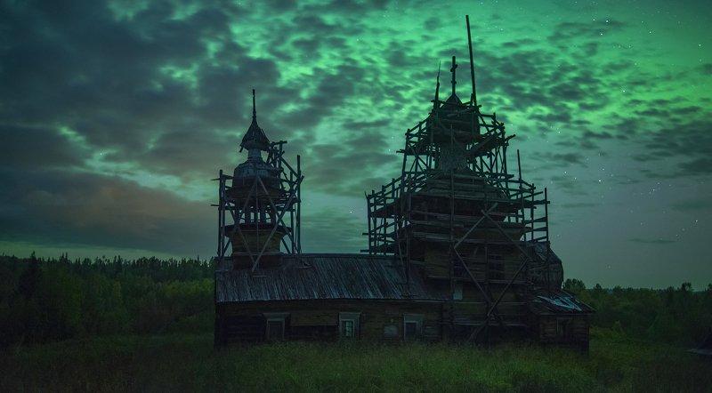северное сияние, русский север, ночь, астрофото, звезды, ночное небо, деревянное зодчество Осенние ночи на Куртяевоphoto preview