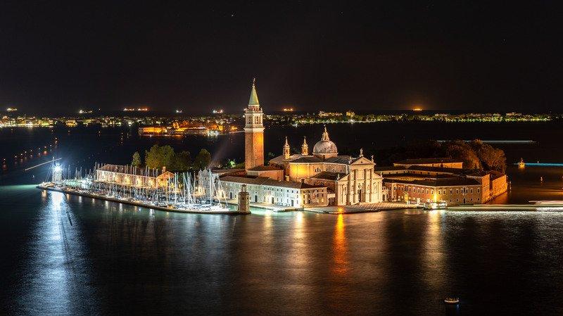 Венецианская ночьphoto preview