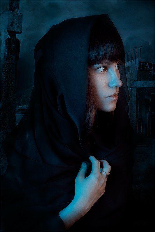 model,girl,lips,eyes,dark,blue nach dem Kriegphoto preview
