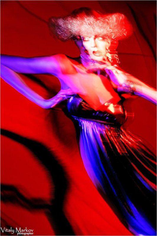 Красно-синий танецphoto preview