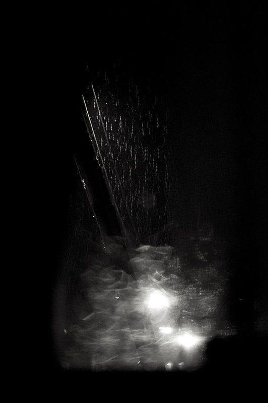 дождь, лирика, мечта, мечтать, мечтатель, мечтательный, дождь ,капля, стекло, ночь Ночь. Дождь за окном....photo preview