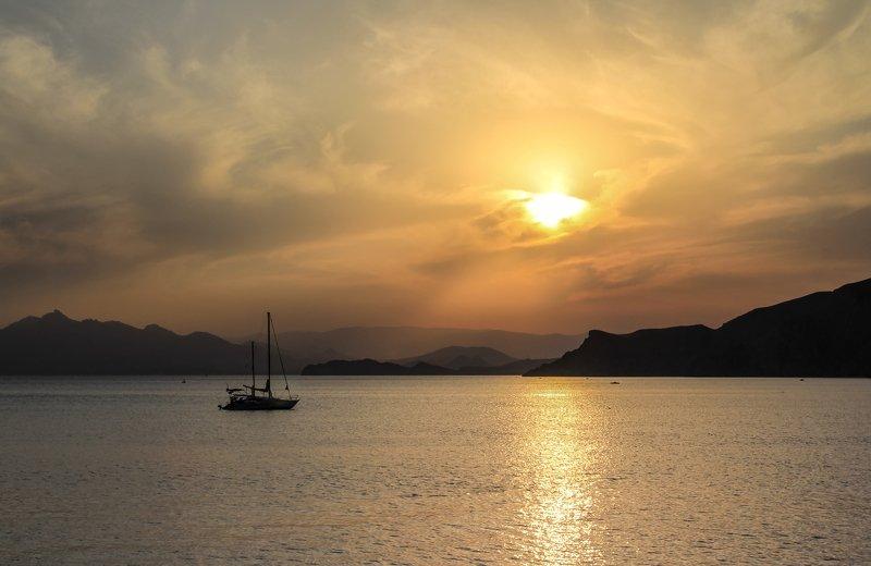 пейзаж, крым, море, черное Мистерия уходящего дня... фото превью