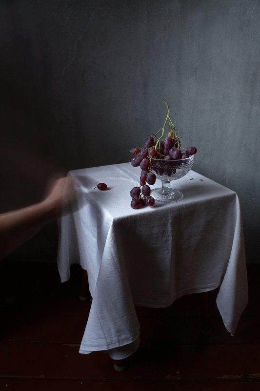 натюрморт, виноград Виноградная гроздьphoto preview