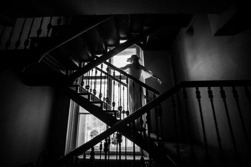девушка,тень,свет,архитектура Ellephoto preview