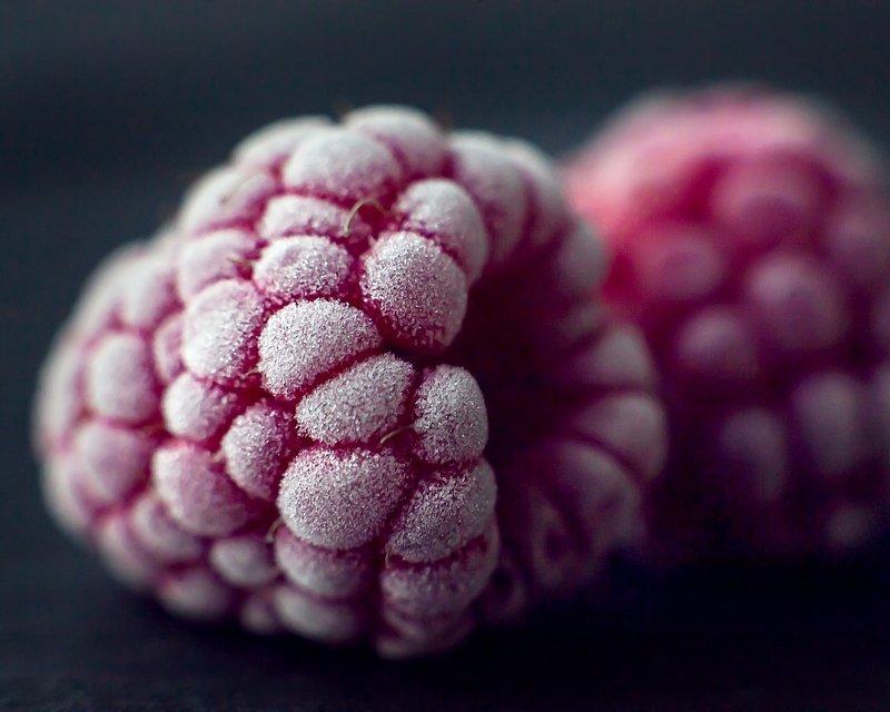 красные, ягоды, иней Малинкиphoto preview