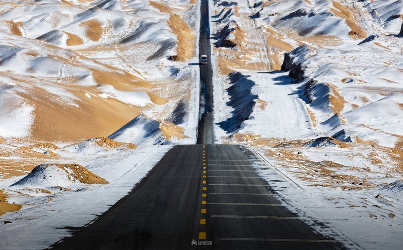 Road,China,Sky Road,landscapes,snow,desert,Light and shadow,Trevel Sky Roadphoto preview